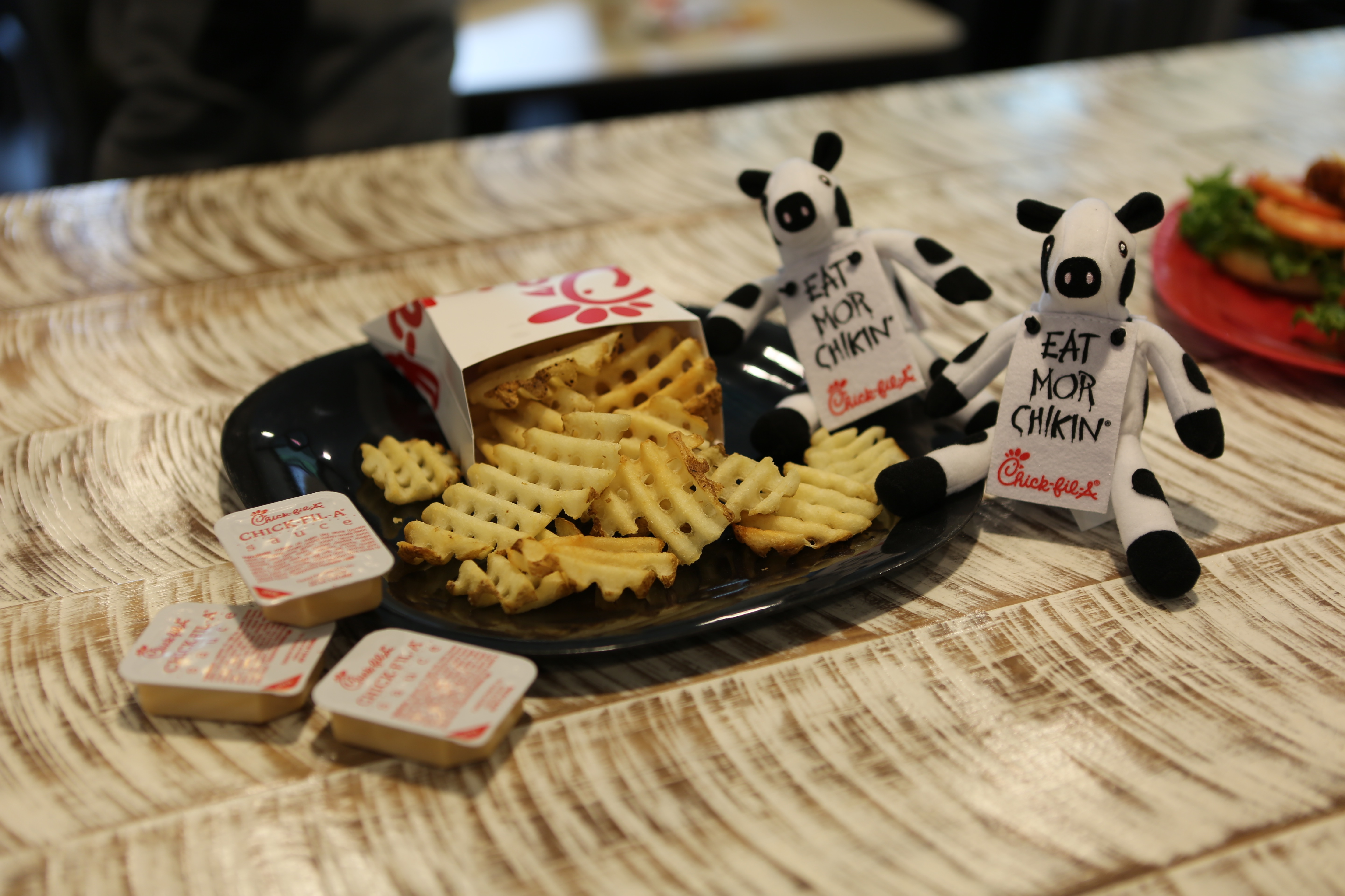 More waffle fries and dips